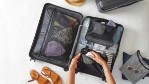 Top 7 Amazing Things to Carry While Travelling Across the Globe
